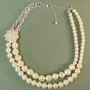 Vintage Avon Faux Pearl Floral Necklace